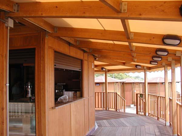 Chioschi per bar da spiaggia roma cabine spogliatoio for Arredamento da spiaggia